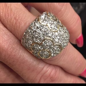 Some serious bling/ring😍